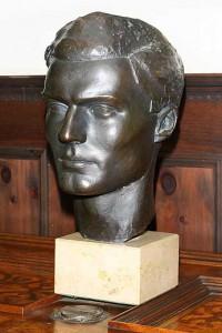 Oberst i.G. Claus Schenk Graf von Stauffenberg, Bronzebüste von Frank Mehnert